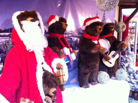 Personnages au marché de Noël