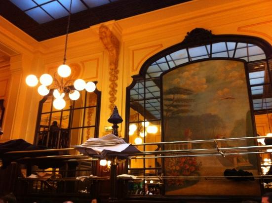 La salle classée du Bouillon Chartier à Paris