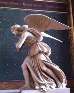Statue d'ange, église Saint-Gervais, Paris