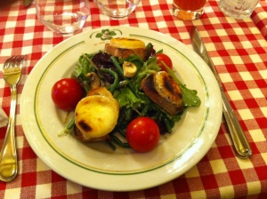 "Salade de chèvre chaud ""crottin de Chavignol"""