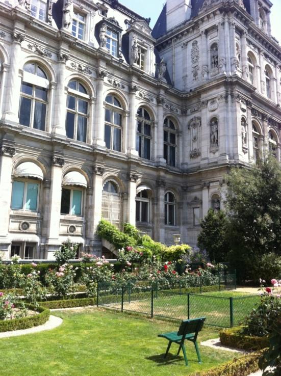 Jardin de la Nueve, Hôtel de ville, Paris