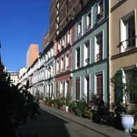 Une rue parisienne bucolique