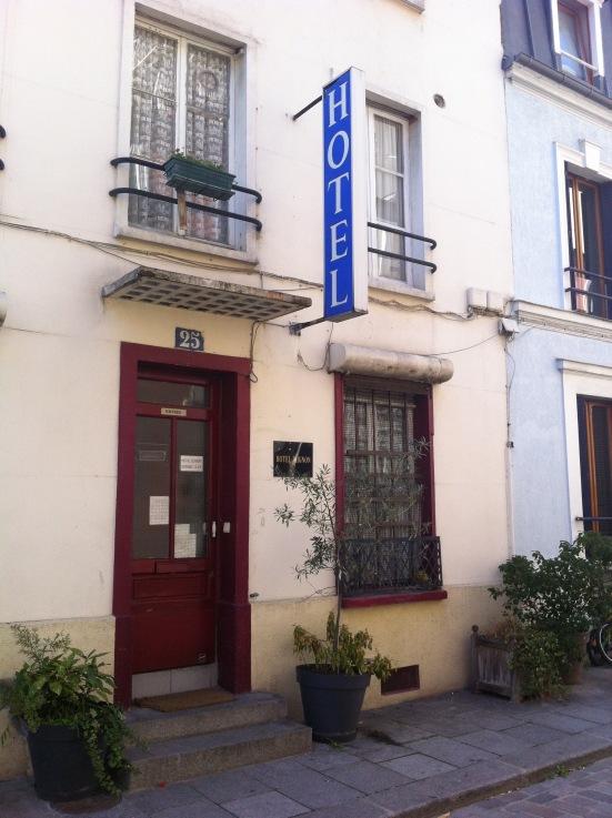 Hôtel Mignon, rue Crémieux, Paris