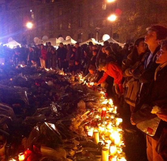 Place de la République, 16 novembre 2015