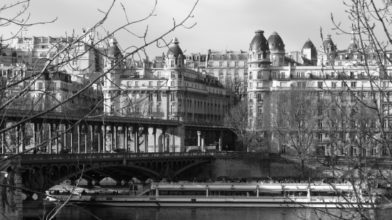 Le pont de Bir Hakeim, Paris