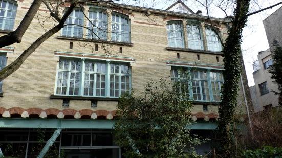 Façade de l'école du Sacré Coeur, avenue de la Frillière, Paris
