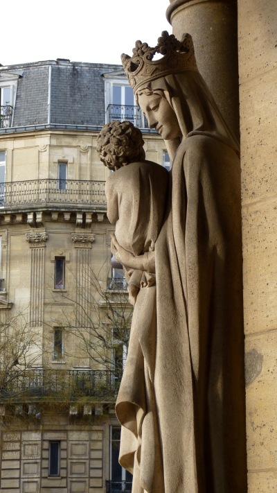 Vierge à l'enfant, église d'Auteuil, Paris