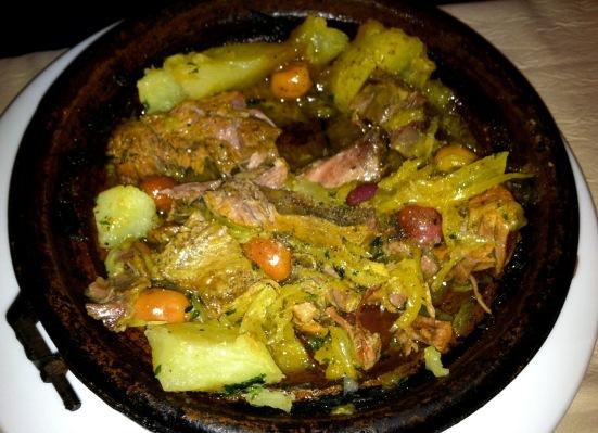 Tajine de poulet aux citrons confits et aux olives