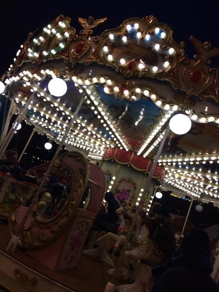 Carrousel de Noël à Paris ©barbaravousenditplus