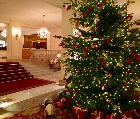 Sapin de Noël de l'hôtel Bristol ©barbaravousenditplus